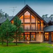 Casa de lemn - destinatie de vacanta, locuinta permanenta sau afacere profitabila?