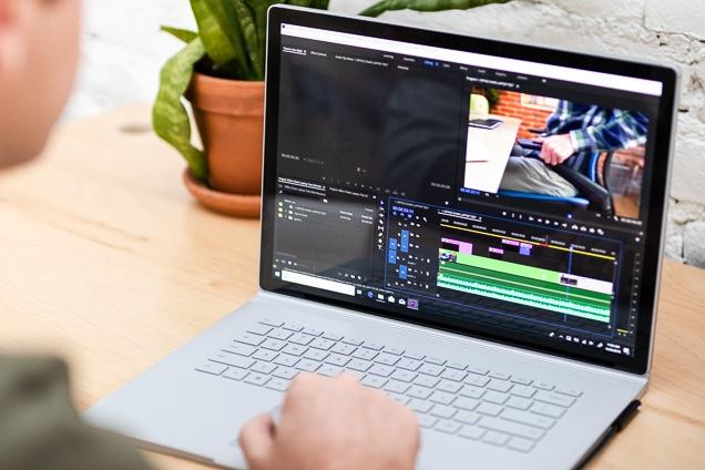 laptop editare foti video